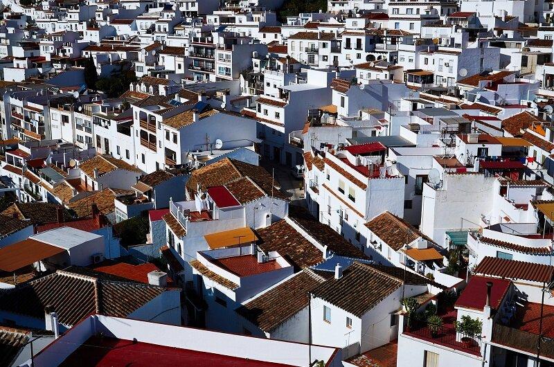 Domy w białych miasteczkach Andaluzji