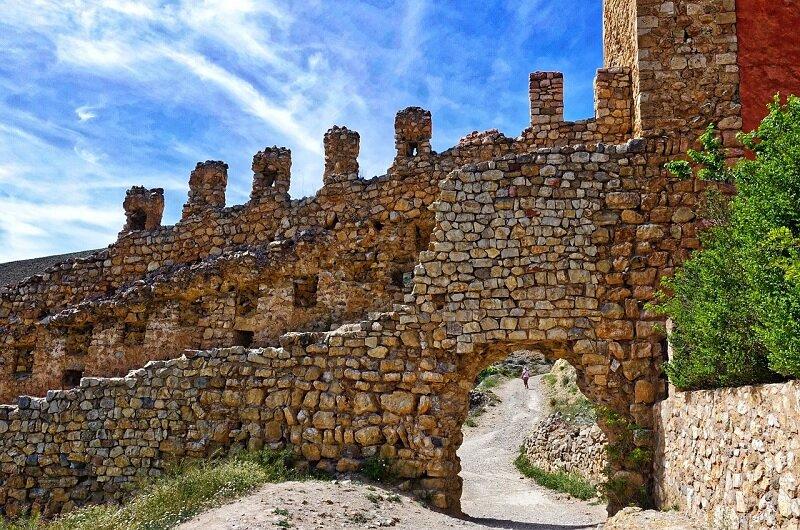 Miejskie mury w Albarracin